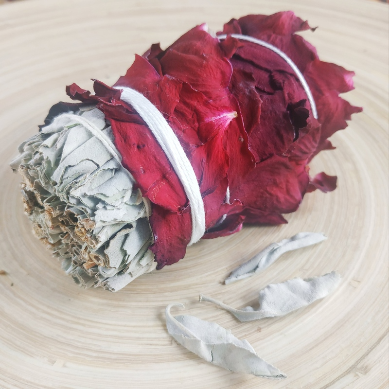 Белый Шалфей с Розой